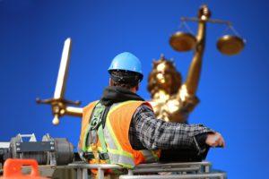 Im Zweifel entscheiden die Verwaltungsgerichte über baurechtliche Streitigkeiten.